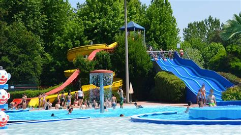 parchi pavia ondasplash parco acquatico ondasplash piscine a