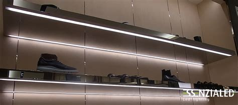 mensole luminose illuminazione led per negozi made in italy