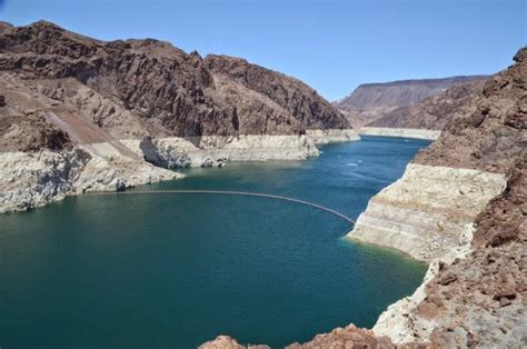 lake mead bathtub ring snr climate corner lake mead drops to record low elevation