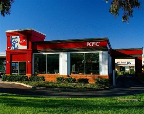 Kfc Clinton Ad Board by Advertising Watchdog Gives Nod Of Approval To Kfc Ad