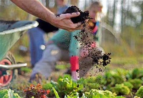 Organic Garden Soil by Garden Soil Organic Gardening Guru