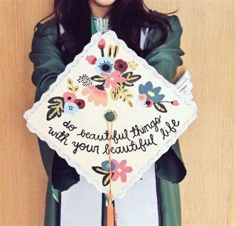 hat decorations 25 best ideas about graduation cap designs on