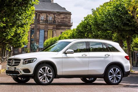 the best family suvs parkers