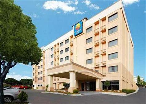 comfort suites downtown atlanta comfort inn downtown south at turner field atlanta deals