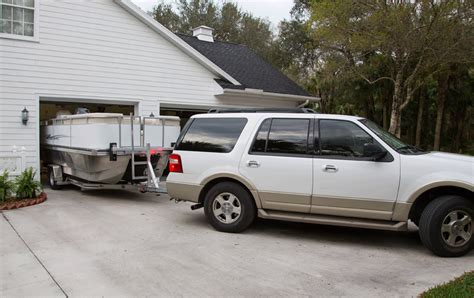 boating magazine towing guide towing trailering boating upcomingcarshq