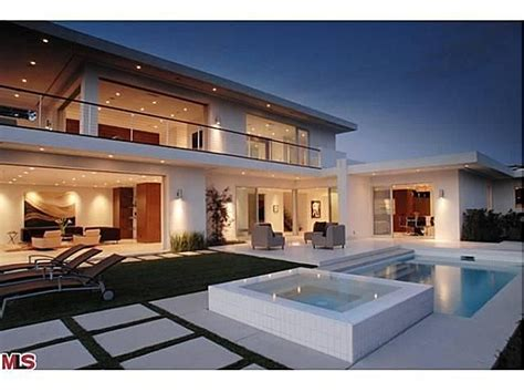 hollywood mansions matthew perry sells modern mansion in hollywood hills