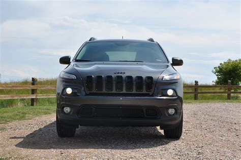 jeep nissan comparison jeep cherokee 2015 vs nissan pathfinder