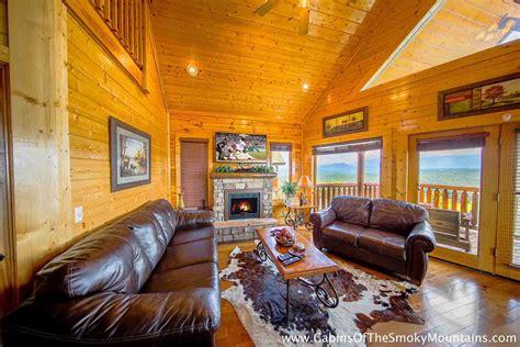 3 bedroom cabins in gatlinburg gatlinburg cabin breathless 3 bedroom sleeps 8