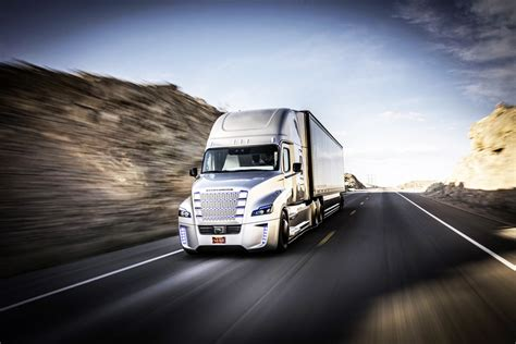 de truck self driving trucks are going to hit us like a human