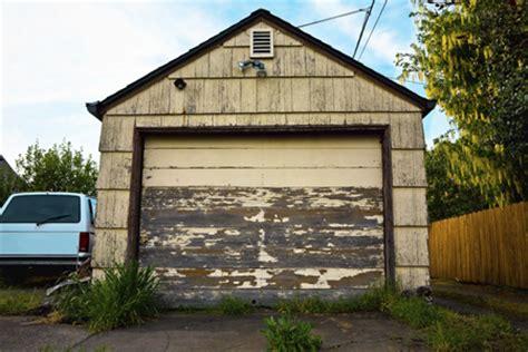 fix squeaky garage door