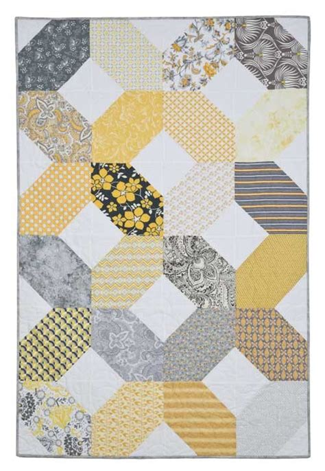 Quilt Pattern Hugs And Kisses | hugs and kisses quilt background and binding fabric pack