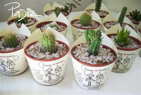 souvenirs cactus maipu recuerdos de matrimonio en ceramica blanca decoracion de souvenirs con suculentas buscar con google