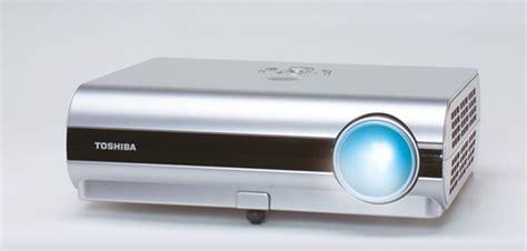 Proyektor Toshiba Tdp S35 toshiba tdp s35 dlp projector proyektormalang