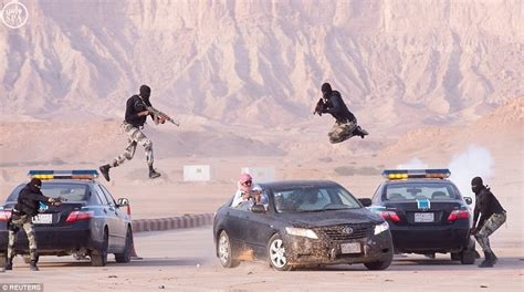 Fly Through The Air With The Greatest Of Ease At The Trapeze School New York by Saudi Special Forces Fly Through Air In Clear Quot Defiance Of