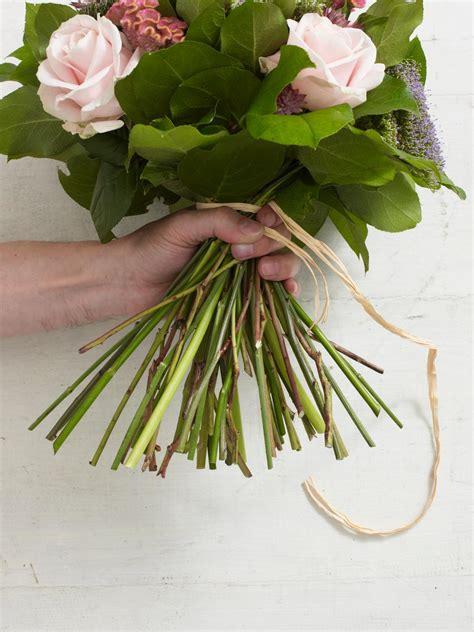 how to make a bouquet hgtv