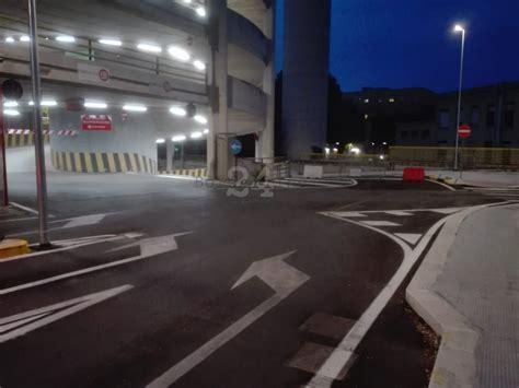 illuminazione bari bari nuova illuminazione per il polipark policlinico