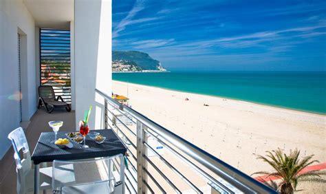 appartamenti conero sul mare il conero mare numana prenotazione on line viamichelin