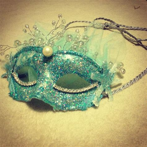 diy masks diy masquerade mask caroline beautiful