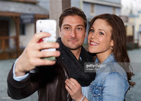 daniel and erin fans australian actor daniel lissing and american actress erin