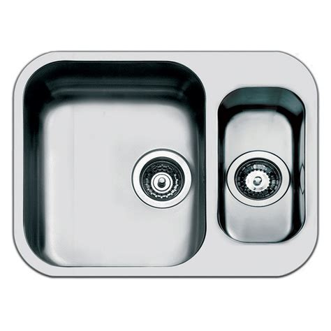 Smeg Kitchen Sinks Smeg Um3415 Kitchen Sink Undermounted 1 5 Bowls Brushed Stainless S