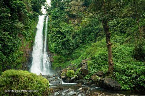 gitgit waterfall  north bali popular waterfall  bali
