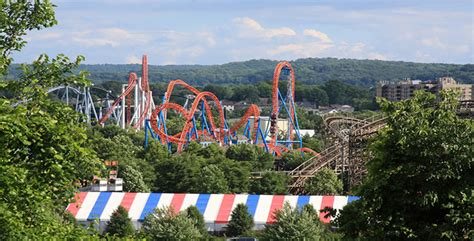 theme park vacations the best theme parks for families kid friendly