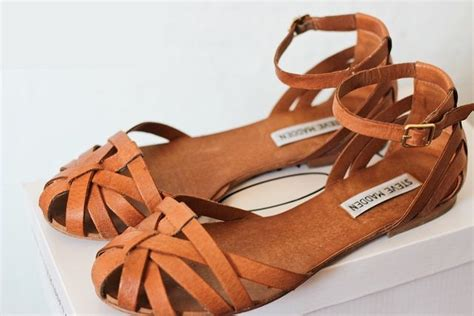 gladiator sandals that cover toes 105371 best s shoes we always need shoes images on