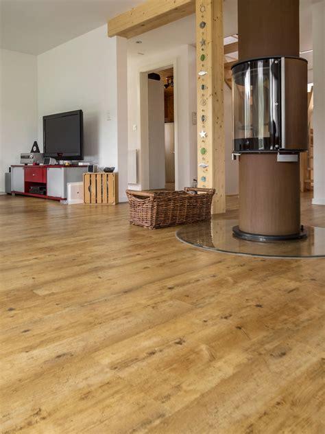 wohnzimmer vinyl vinylboden wohnzimmer hell raum und m 246 beldesign inspiration