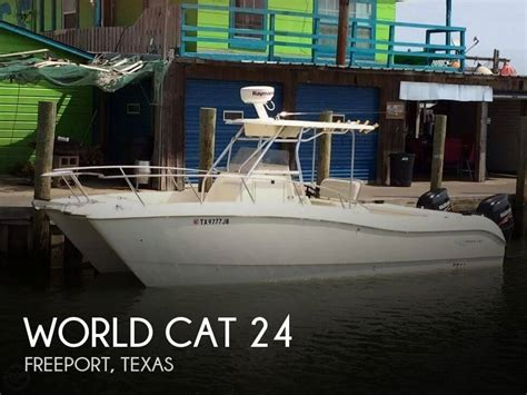 World 24 Tx by 24 Foot World Cat 24 24 Foot World Cat Motor Boat In
