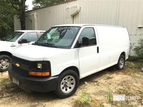 manual repair autos 2011 chevrolet express 1500 on board diagnostic system service manual how petrol cars work 2011 chevrolet express 1500 seat position control