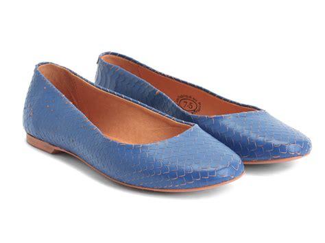 fluevog shoes fluevog shoes shop blue lightweight travel flat