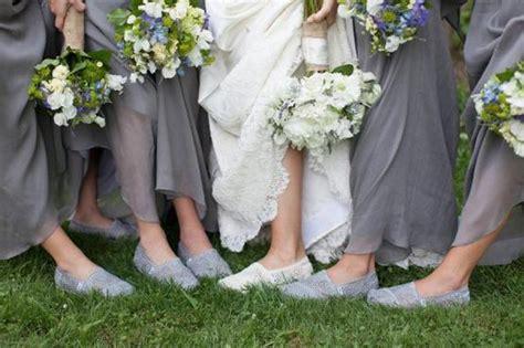 Sepatu Untuk Pesta Pantai tips memilih sepatu nyaman di hari pernikahan