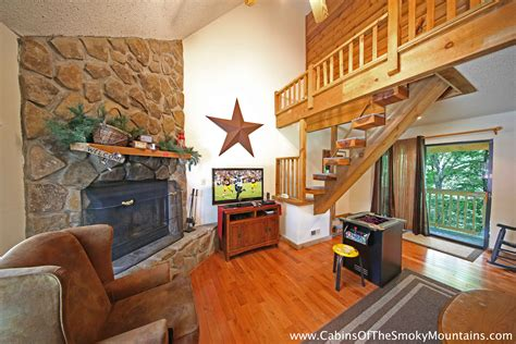One Bedroom Cabins In Pigeon Forge by Pigeon Forge Cabin Moonshine Kisses 1 Bedroom Sleeps 2