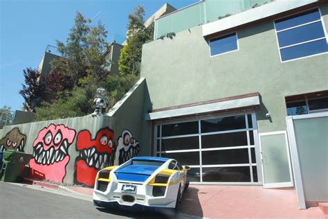 a into chris brown s home got