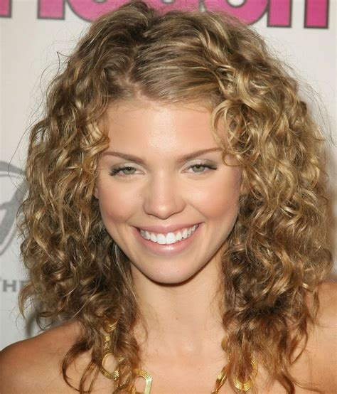 stunning curly medium length hairstyle ideas elle