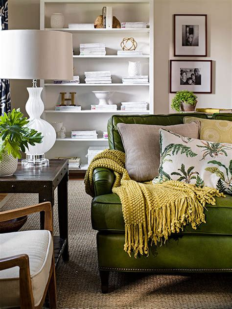 green sofa living room ideas best 25 green leather sofa ideas on green leather sofas green living room and