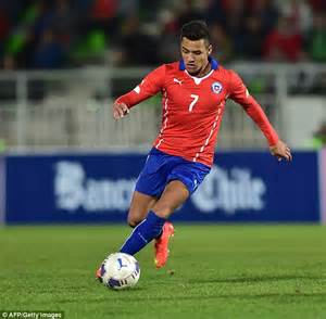 alexis sanchez soccer alexis sanchez stars with brilliant assist as eduardo