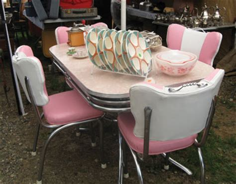 making new friends keeping the old at brimfield antique shows