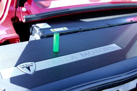 Tesla Car Battery Problems Can Tesla S Enthusiast Customers Help It Sell The Electric