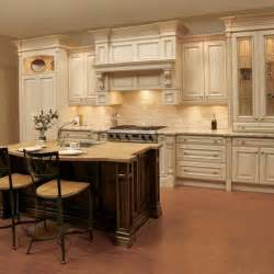 traditional kitchen backsplash ideas with travertine and tile