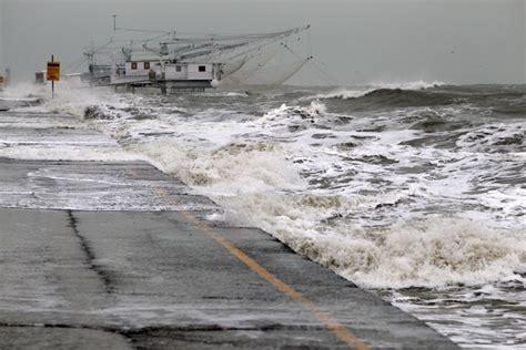 marea porto corsini sulla costa bagni e strade allagati nuovo picco di alta