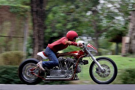Frame Pria Harley Davidson Q7927 lebih dekat dengan h d sportster bermesin tiga silinder gilamotor