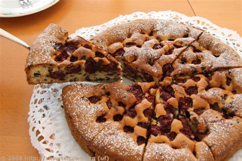 Kirsch Schokoladen Kuchen Im Hundertwasserhaus Rezkonvsuite