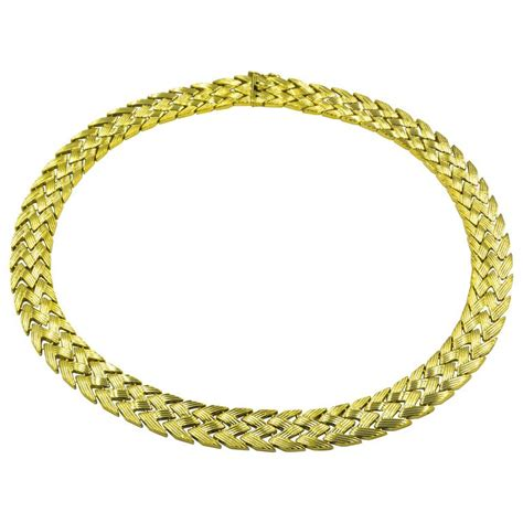 zig zag daisy chain pattern bold yellow gold zig zag pattern necklace for sale at 1stdibs