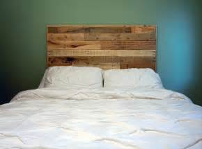 Diy Queen Headboard by Diy Queen Size Pallet Headboard 101 Pallets
