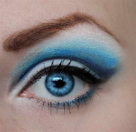 3 best eyeshadow colors for blue trusper