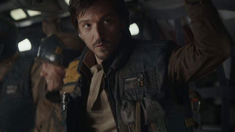 flatliners film analyse rogue one star diego luna set to star in scarface remake