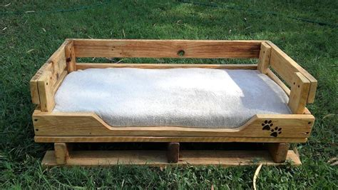 pallet dog bed plans 40 diy pallet dog bed ideas don t know which i love more