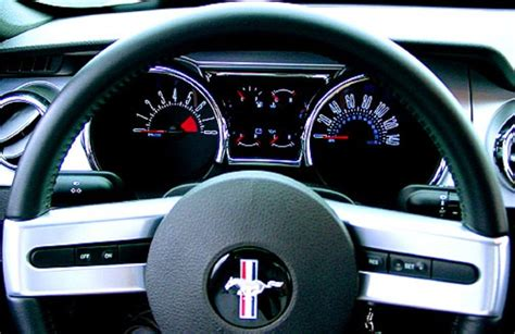 2005 ford mustang cluster 2005 2009 ford mustang a modern rendition of an american