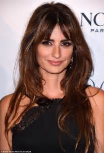 penelope cruz wears black lace gown at lancome 80th